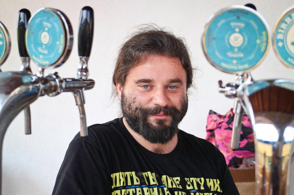 «Io per sicurezza non bevo birra con chi non conosco, mai.» Gianluca Fiorentini - Brasserie Letteraria